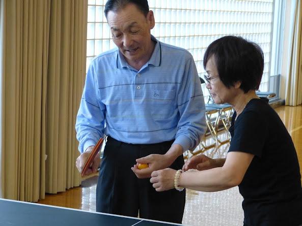 飯田さんも卓球に挑戦!