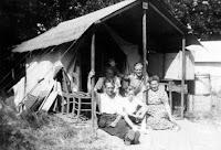 Groeneweg, Cornelis en Vos, Cornelia Oostvoorne 1949 + Sjaak en Gre .jpg