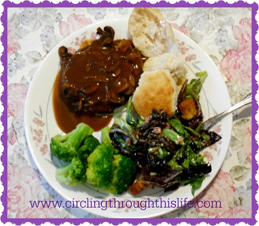 Tailorbear Makes Dinner!  Cheater Salisbury Steak ~ Circling Through This Life