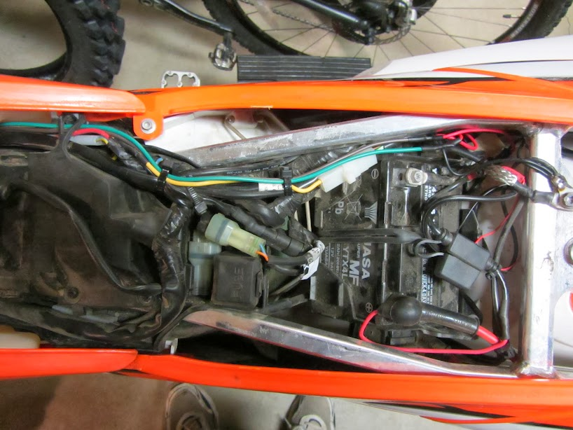 ktm 350 xcf w dual sport project jan 2014 gardiner family battery compartment