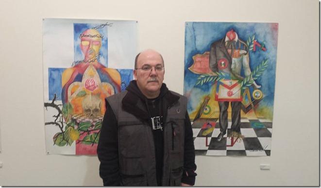 El autor y sus cuadros