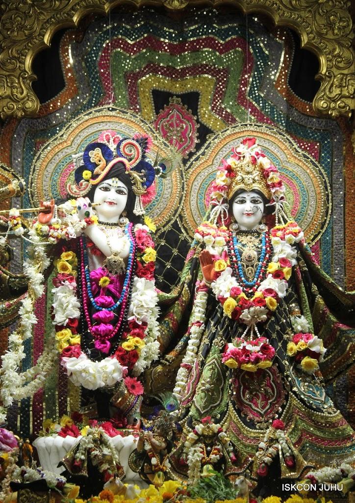 ISKCON Juhu Sringar Deity Darshan on 28th May 2016 (8)