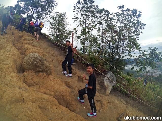 mendaki bukit broga