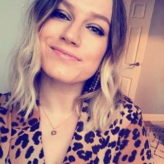 Hannah Gale smiling selfie