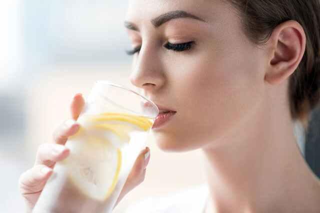 5 مشروبات للتخلص من السموم يجب تناولها على معدة فارغة لتخفيف الوزن