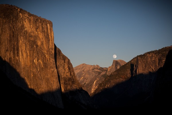 17-yosemite moonrise no tripod