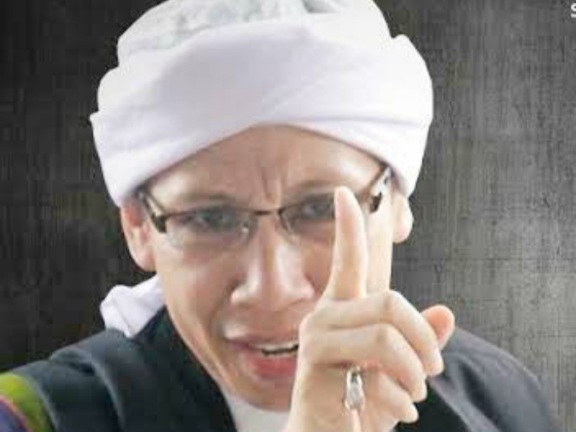 Ada Ustaz Sebut Orang Non-Muslim yang Bersikap Baik Tetap Bisa Masuk Surga, Buya Yahya: Usir Dia, Ini Bahaya Sekali!