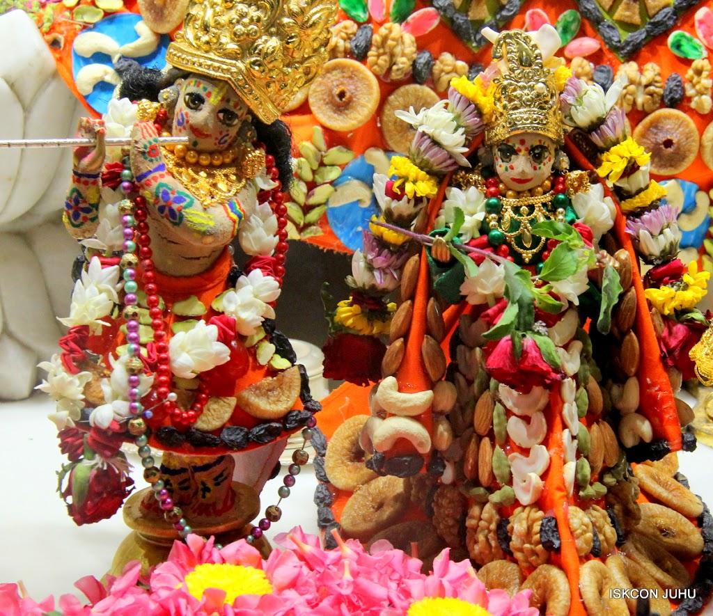 ISKCON Juhu Chandan yatara Deity Darshan on 9th May 2016 (26)