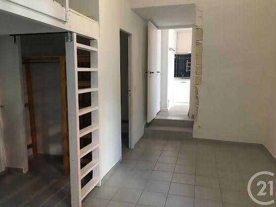 Location studio 27,74 m2