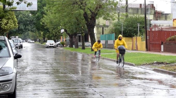 El frente frio se quedará por estos días y anuncian más lluvias para el fin de semana