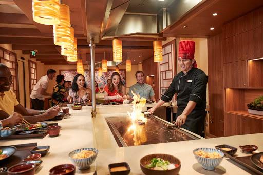 carnival-Bonsai-Teppanyaki.jpg - Skilled teppanyaki chefs perform culinary feats nightly at Bonsai Teppanyaki on your Carnival cruise.