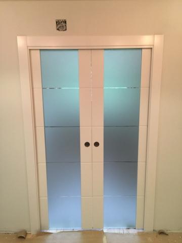 Karpinteria puertas armarios y tarimas puertas de - Cristales translucidos para puertas ...