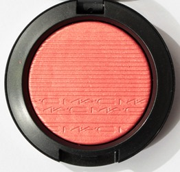 CheekyBitsExtraDimensionBlush2017MAC