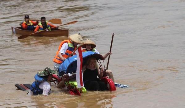 Gunungan Charity Boat Race Bengawan Solo