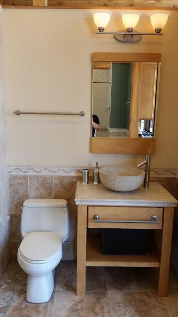 Bathrooms - 20150825_113915.jpg