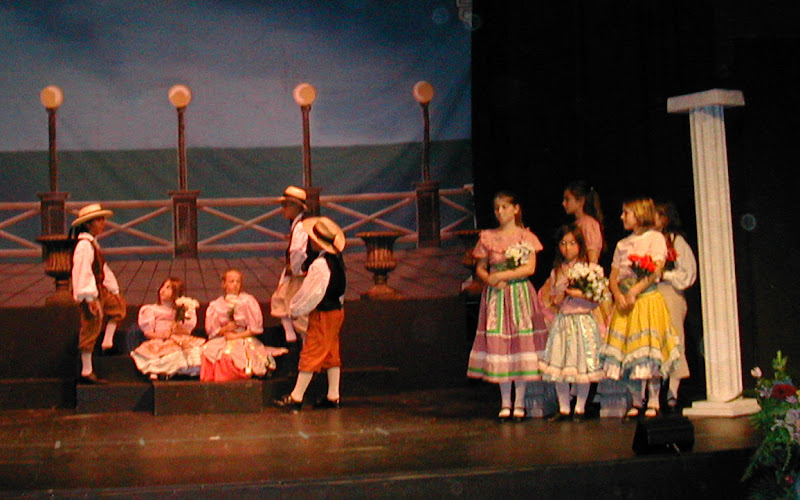 2002 The Gondoliers  - DSCN0432.JPG