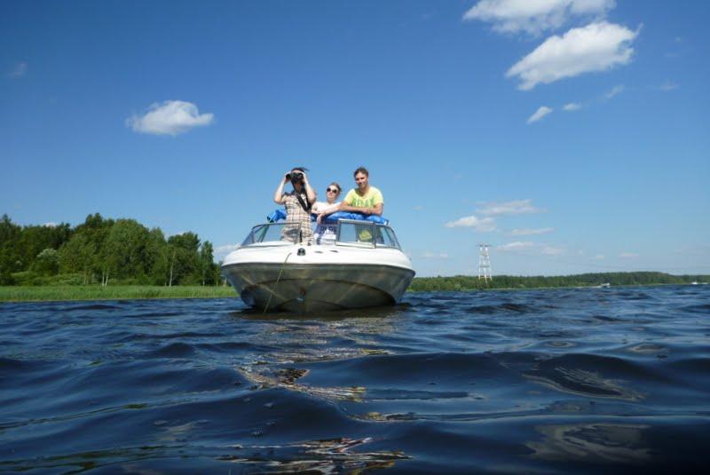 На лодочке катались не плыли а так ебались