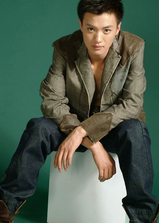 Zhou Yiwei China Actor