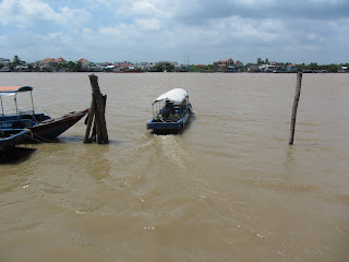 0012A_Day_on_the_Mekong
