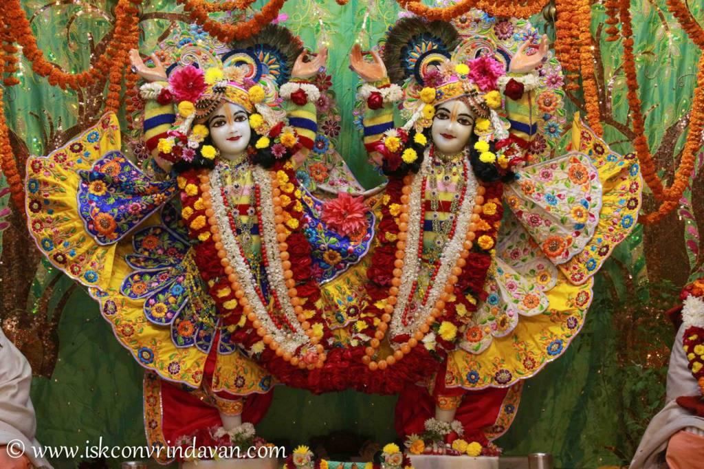 ISKCON Vrindavan Sringar Deity Darshan 20 Dec 2015 (4)