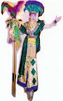Gras Queen on stilts