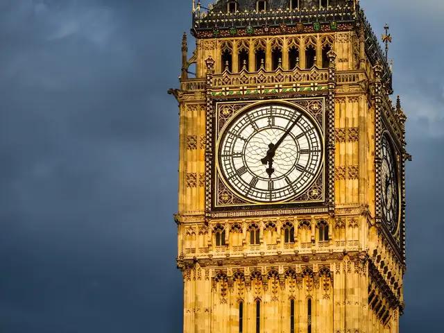 ستة ملوك و 41 رئيس وزراء وذهبوا منذ أن قرعت الأجراس لأول مرة في وستمنستر... تمر اليوم الذكرى الـ 162 على بدء ساعة «بيغ بن - Big Ben» بعملها