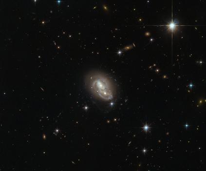galáxia IRAS 06076-2139