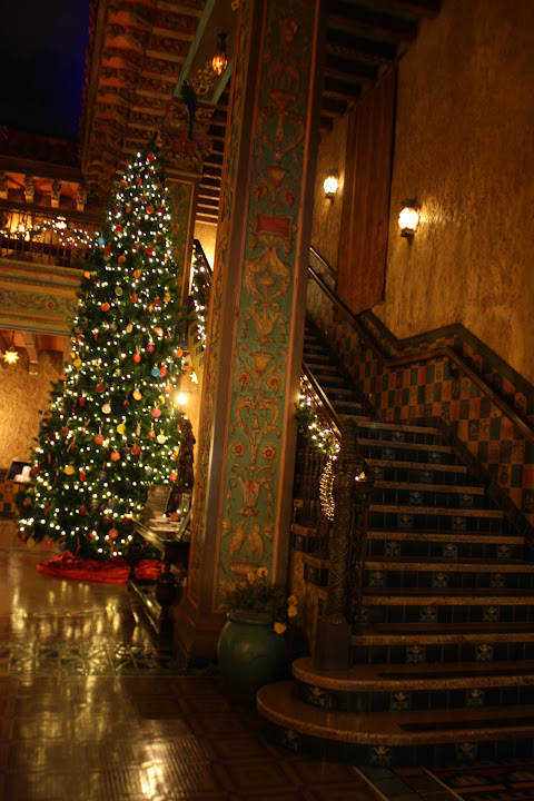 Tampa Theatre Dazzles at Christmas
