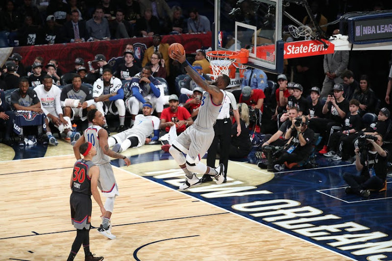 James Hosts Dunk Contest of His Own During NBA AllStar Game