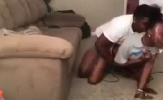 Leak Video Of Soweto Guy making love to Girlfriend In Parent House