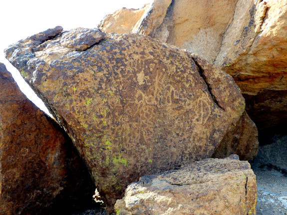 Petroglyphs south of Hole-in-the-Wall