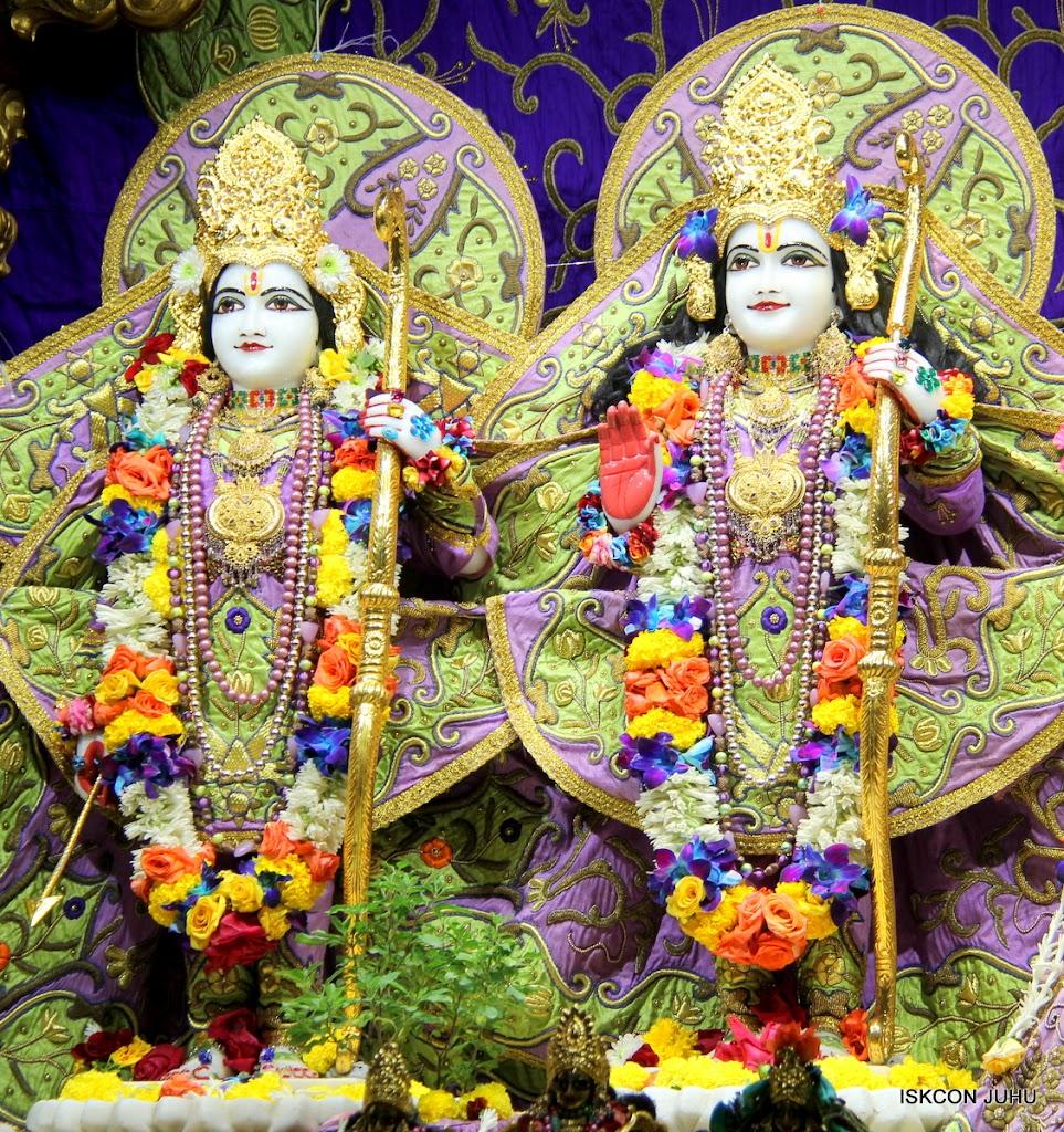 ISKCON Juhu Sringar Deity Darshan 11 Jan 2016  (35)