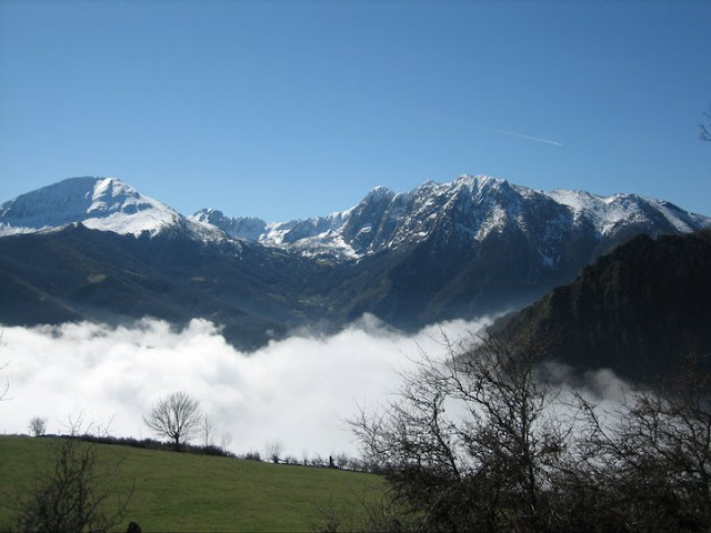 Rutas Montaña Asturias: Vista de la zona Peña Rueda y Ubiña