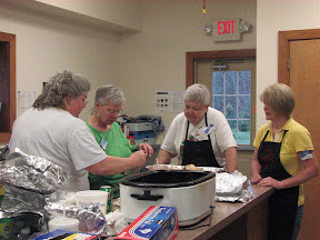 Some of our cooks.  Thanks, Lois, Lynn, Mary, Lisa, Angel & Robin