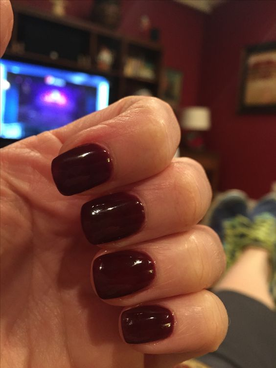 THE BEST NAIL POLISH COLORS SOUTH AFRICAN WOMEN CAN WEAR IN WINTER 2020 15
