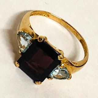 10K Gold & Garnet Ring