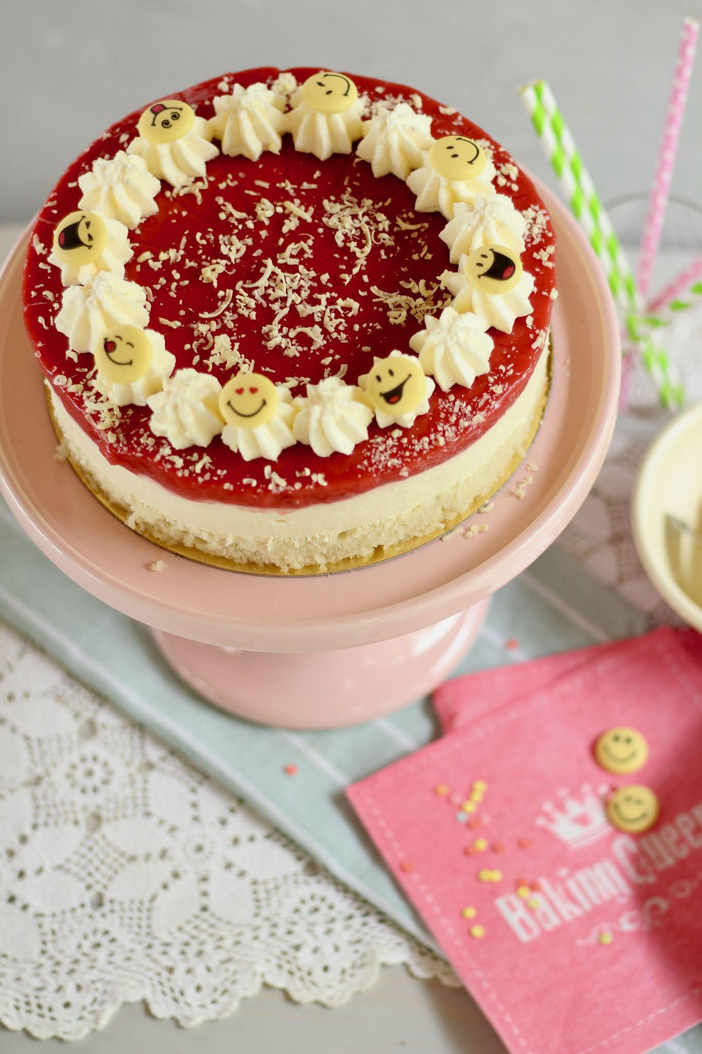 Kinderleichte Spaghetti-Eis-Torte mit frischen Erdbeeren und weißer Schokolade | Rezept und Video von Sugarprincess