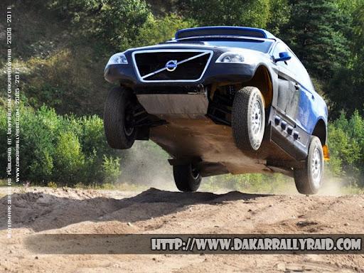 DakarPEWANO-Volvo.XC60-RR.jpg