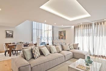 Maison 4 pièces 272 m2