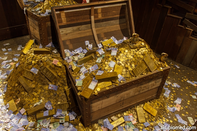harta karun emas