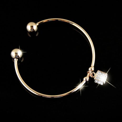 ~~مجوهرات الالماس والفضة الرائعة 2013 ~~ MLTS021570230.JPG