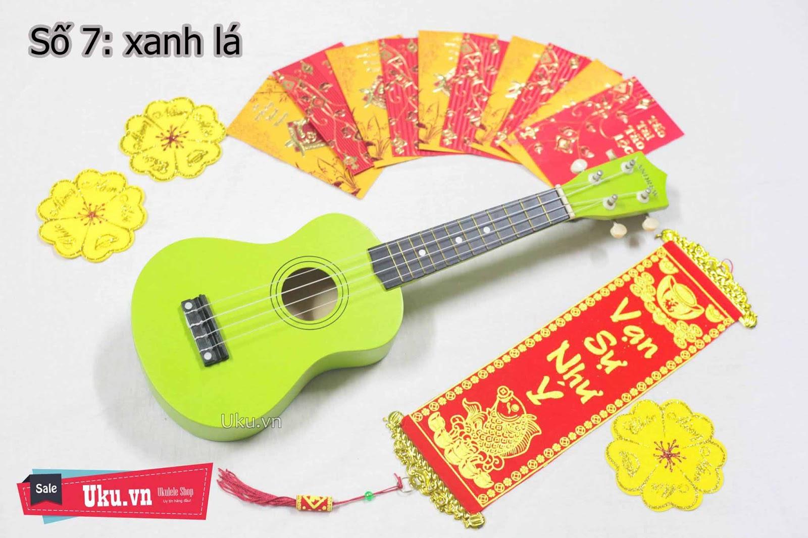 đàn ukulele màu xanh lá
