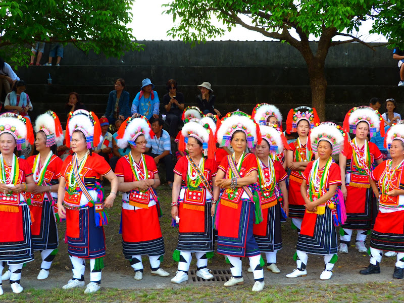 Hualien County. Liku lake. Danses Amis J 2 - liyu%2B2%2B420.JPG