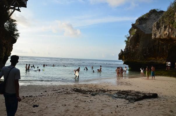 Uluwatu - Suluban Beach