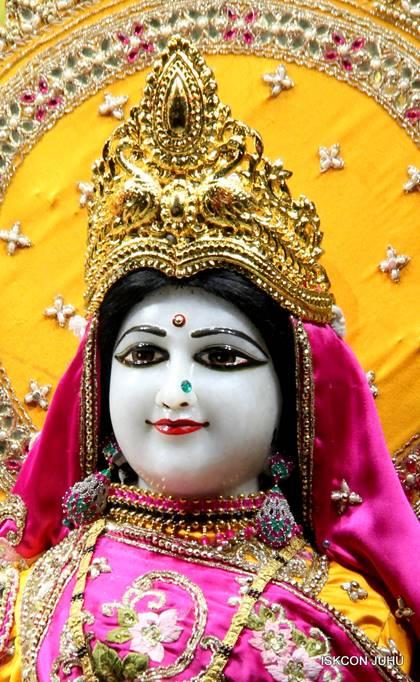 ISKCON Juhu Mangal Deity Darshan 05 Mar 2016 (11)