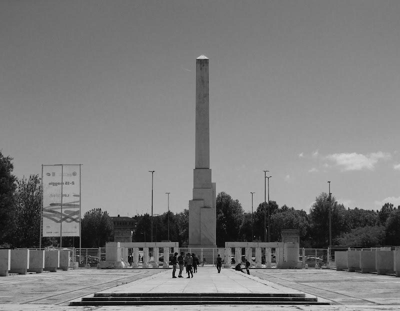 L' obelisco di Michele Tambornino