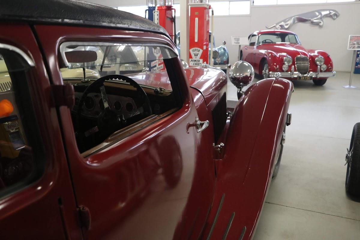Carl_Lindner_Collection - 1935 Jaguar SS1 Saloon 03.jpg