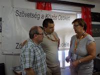 A miskolci CIC képviselőkkel Pogány Erzsébet egyeztet.JPG