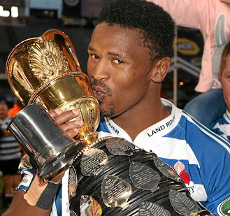 New start: Sikhumbuzo Notshe with the Currie Cup WP won in 2017. Picture: GALLO IMAGE