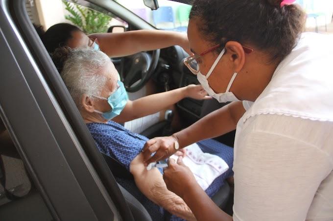 Birigui inicia aplicação da dose adicional da covid-19 em idosos acima de 85 anos neste sábado (11)
